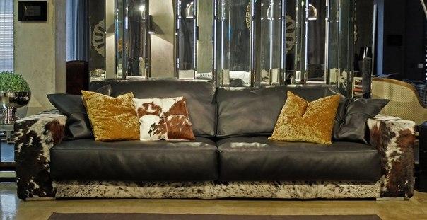 Элитный диван в кожаной обивке
